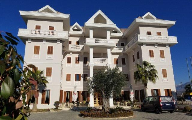 Отель Vila Zeus Албания, Тирана - отзывы, цены и фото номеров - забронировать отель Vila Zeus онлайн вид на фасад