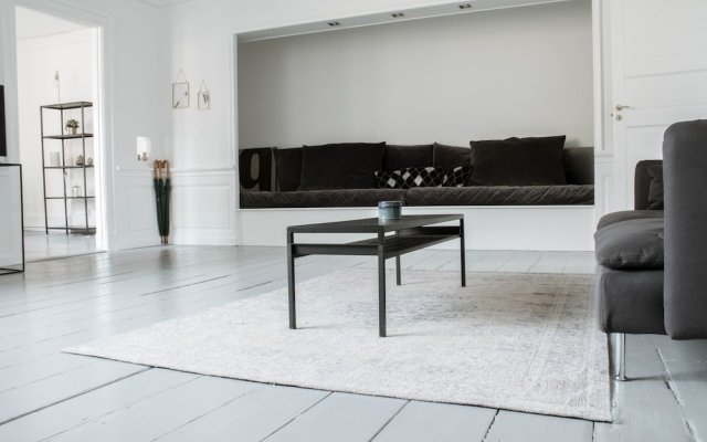 Апартаменты 3 Bedroom Apartment in Latin Quarter комната для гостей