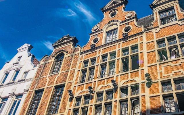 Отель Madeleine Budget Rooms Grand Place Брюссель вид на фасад