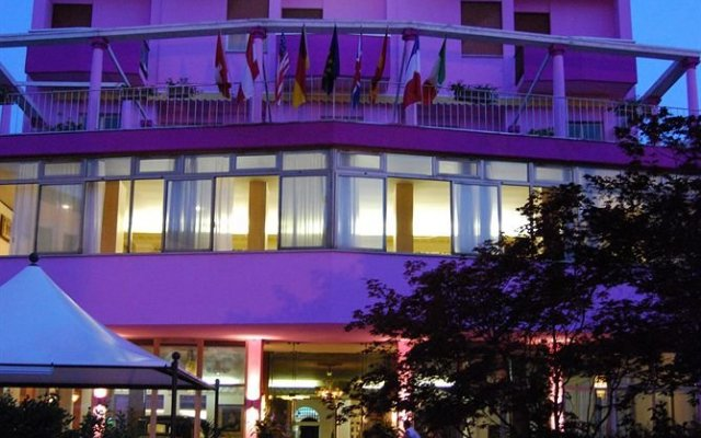 Отель Terme Eden Италия, Абано-Терме - отзывы, цены и фото номеров - забронировать отель Terme Eden онлайн вид на фасад