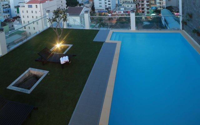 Edele Hotel Nha Trang вид на фасад