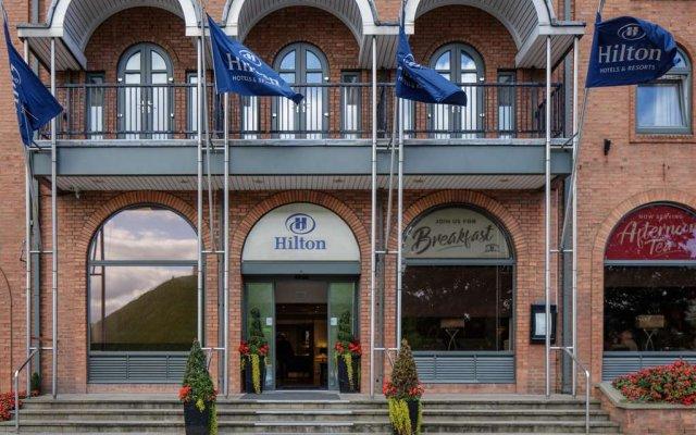 Отель Hilton York вид на фасад