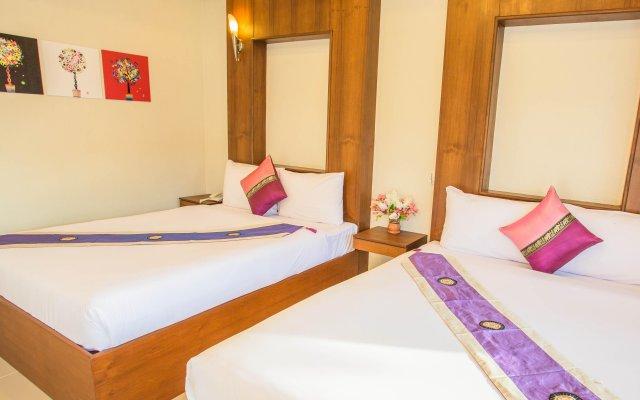 Отель Phuket Airport Villa комната для гостей