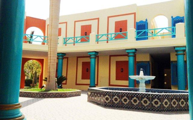 Отель Mirage Bay Resort and Aqua Park вид на фасад