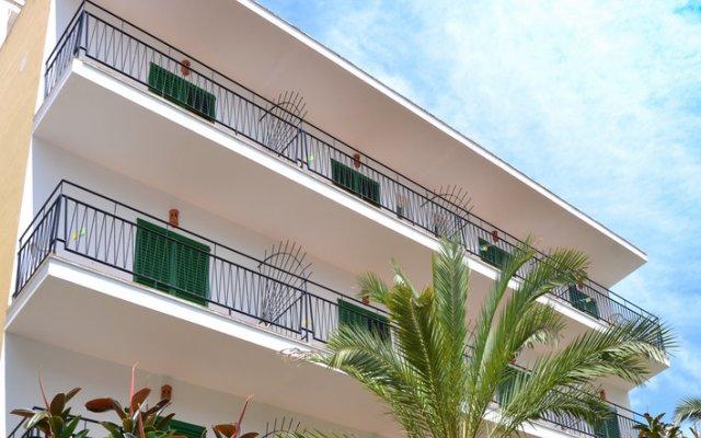 Отель Hostal Valencia вид на фасад