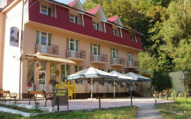 Гостиница Smerichka Украина, Хуст - отзывы, цены и фото номеров - забронировать гостиницу Smerichka онлайн вид на фасад
