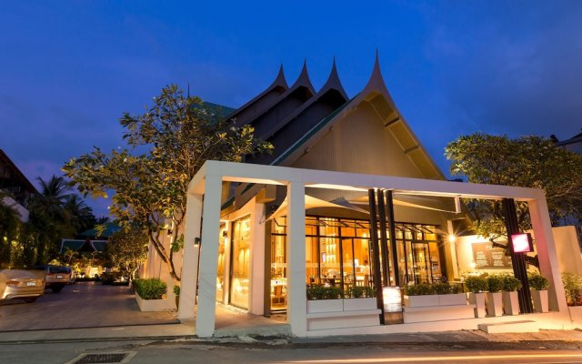 Отель Manathai Surin Phuket вид на фасад