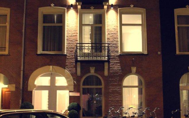 Отель Sara's Boutique Hotel Нидерланды, Амстердам - 4 отзыва об отеле, цены и фото номеров - забронировать отель Sara's Boutique Hotel онлайн вид на фасад