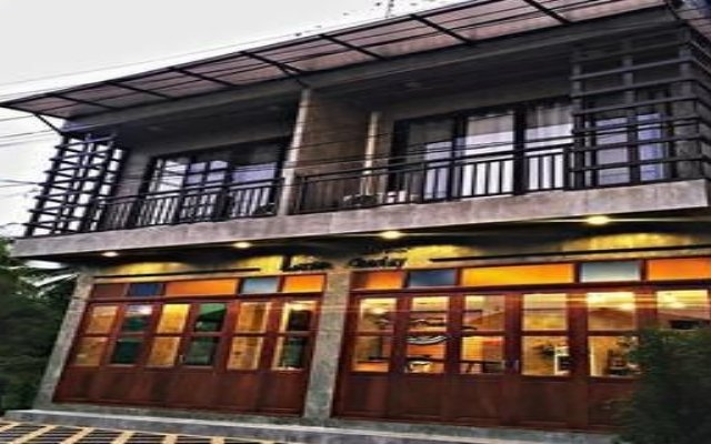 Lanta Chaolay Hostel Ланта вид на фасад