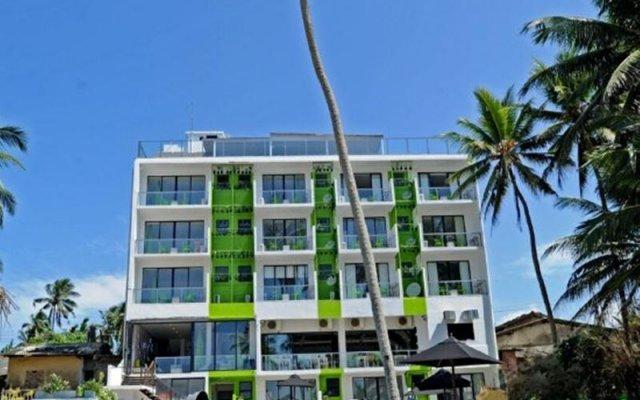 Hotel J Ambalangoda вид на фасад