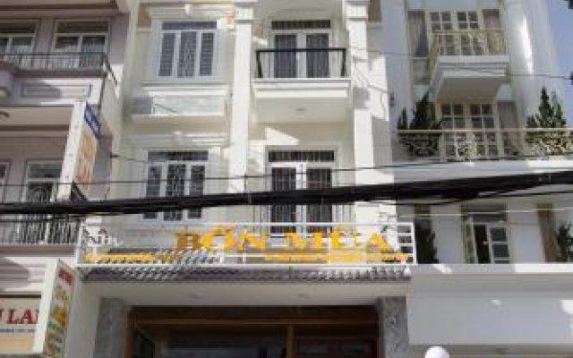 Отель Bon Mua Далат вид на фасад
