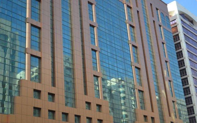 Sheraton Khalidiya Hotel вид на фасад
