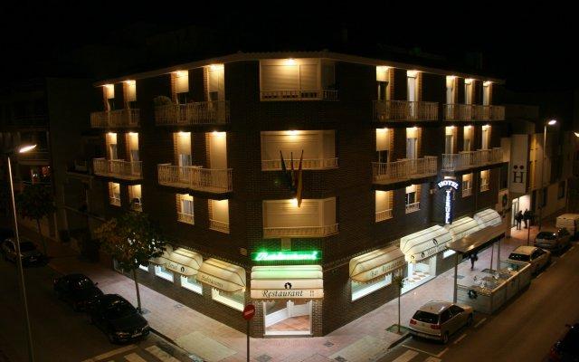 Hotel Teruel вид на фасад