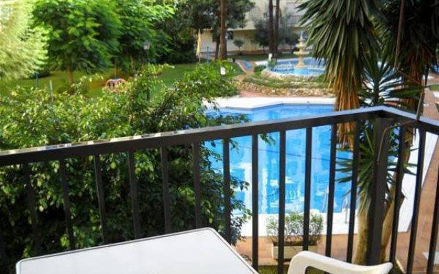 Отель Hostal Jomarijo Испания, Фуэнхирола - отзывы, цены и фото номеров - забронировать отель Hostal Jomarijo онлайн балкон
