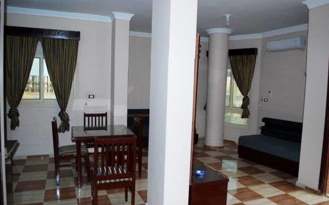 Апартаменты A1 Apartments комната для гостей