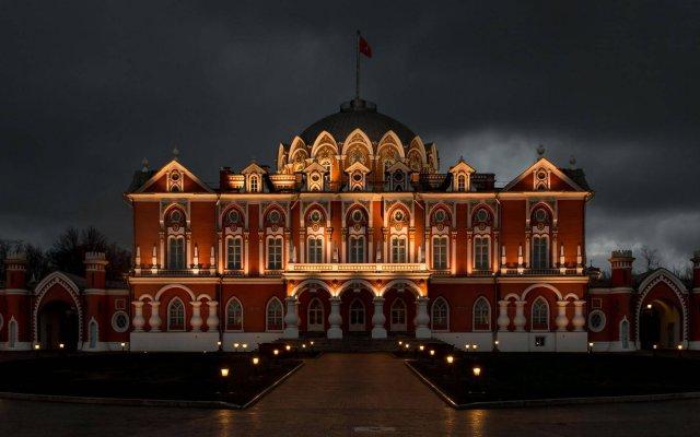 Гостиница Петровский Путевой Дворец вид на фасад