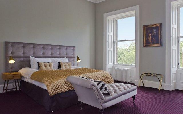 The Edinburgh Castle Suite