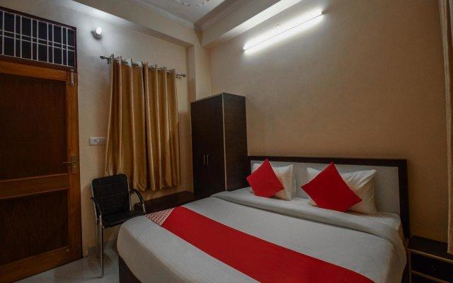 OYO 15555 Hotel Ganesham вид на фасад