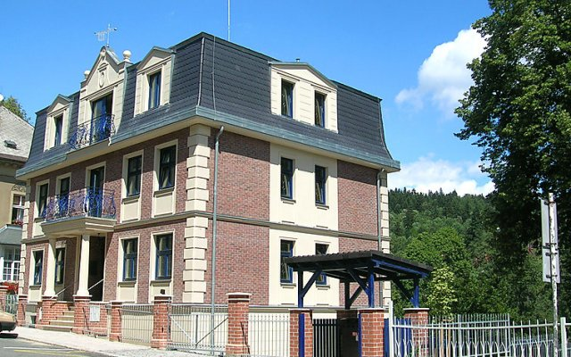 Отель Twain вид на фасад