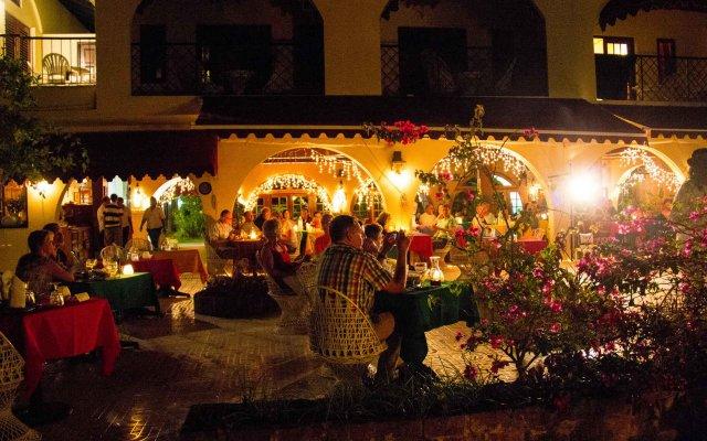 Charela Inn Hotel вид на фасад