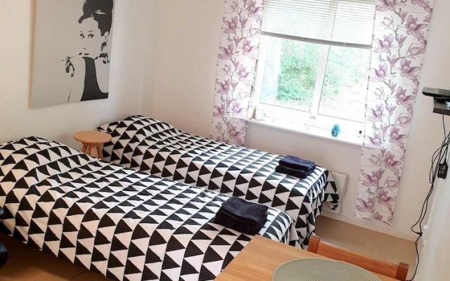 Апартаменты Studio in Nacka Nasbypark комната для гостей