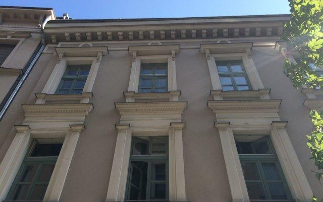 Отель Chestnut & Eliza Suites - Superior Homes Будапешт вид на фасад