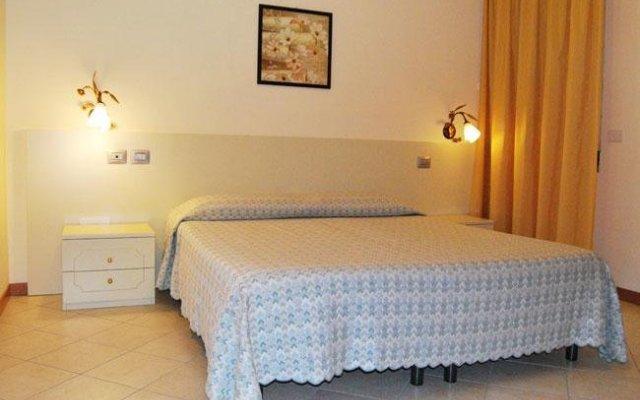 Отель Albergo Ristorante La Rocca Ронкаде комната для гостей