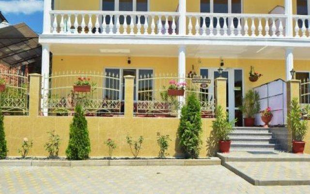 Гостевой Дом «Родос» ИП Чахова У.П. вид на фасад
