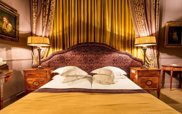 Отель Die Swaene Hotel Бельгия, Брюгге - 1 отзыв об отеле, цены и фото номеров - забронировать отель Die Swaene Hotel онлайн комната для гостей