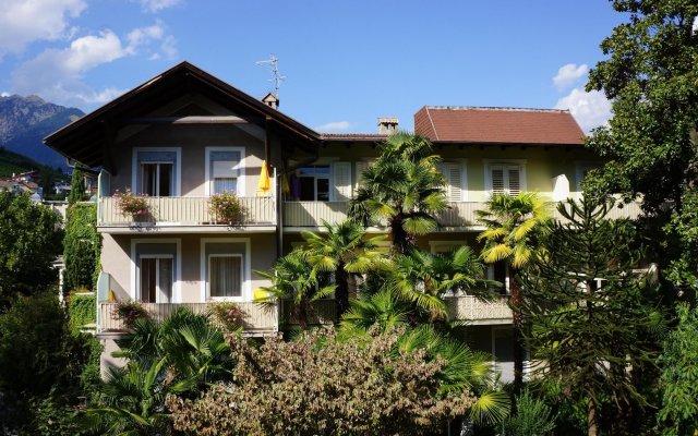 Hotel Palma Меран вид на фасад