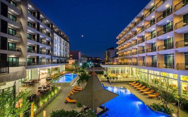 J Inspired Hotel Pattaya вид на фасад