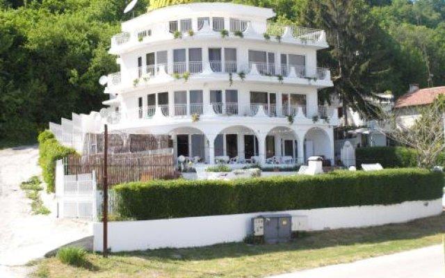 Отель Sunrise Guest House Болгария, Балчик - отзывы, цены и фото номеров - забронировать отель Sunrise Guest House онлайн вид на фасад