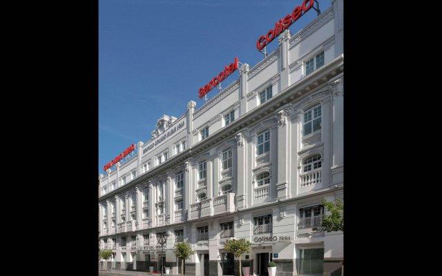 Отель Sercotel Coliseo вид на фасад