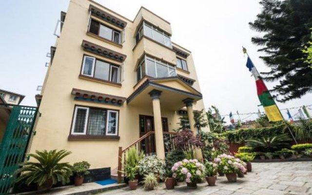 Отель Swayambhu View Guest House Непал, Катманду - отзывы, цены и фото номеров - забронировать отель Swayambhu View Guest House онлайн вид на фасад