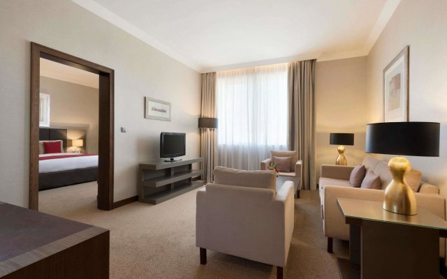 Ramada by Wyndham Abu Dhabi Downtown 2