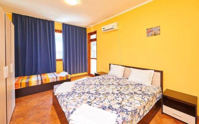 Апартаменты Todorov Apartments Поморие комната для гостей