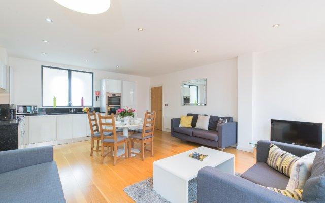 Апартаменты London City Apartments комната для гостей