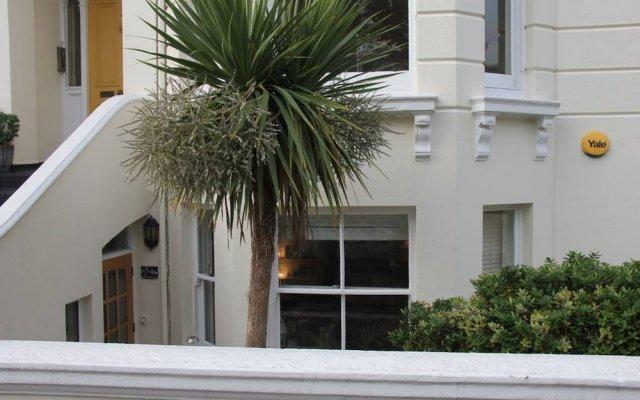 Апартаменты Central Brighton 2 Bedroom Apartment вид на фасад
