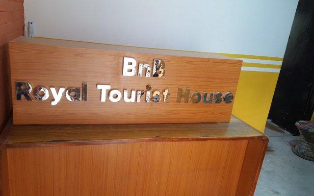 Отель BnB Royal Tourist House Непал, Катманду - отзывы, цены и фото номеров - забронировать отель BnB Royal Tourist House онлайн вид на фасад