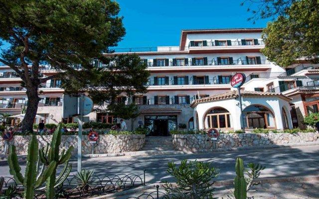 Hotel Cala Fornells вид на фасад