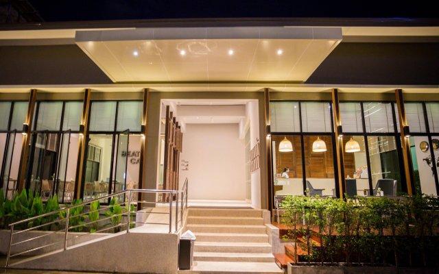 Отель The Melody Phuket вид на фасад