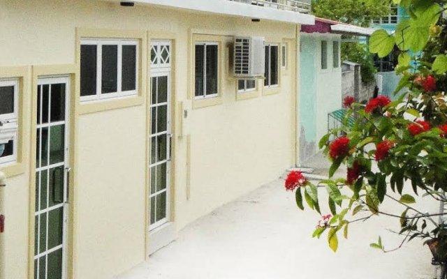 Отель Najaf Central - Huraa Мальдивы, Хураа - отзывы, цены и фото номеров - забронировать отель Najaf Central - Huraa онлайн вид на фасад