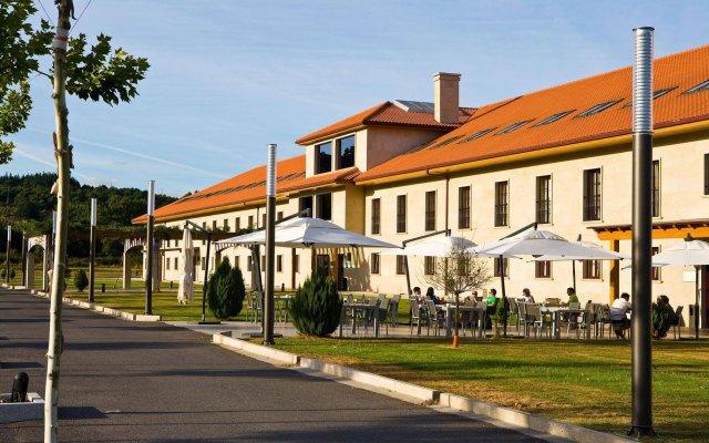 Отель Oca Golf Balneario Augas Santas вид на фасад