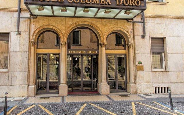 Отель Colomba D'Oro Верона вид на фасад