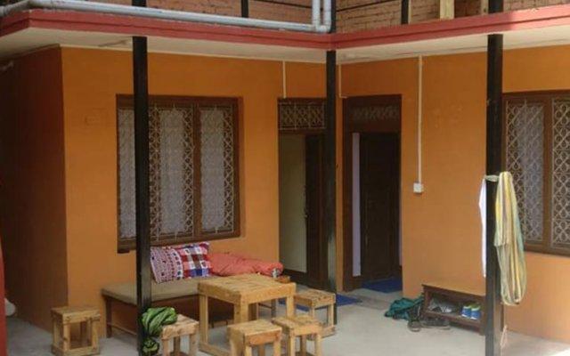 Отель Mystic Inn Bed and Breakfast Непал, Катманду - отзывы, цены и фото номеров - забронировать отель Mystic Inn Bed and Breakfast онлайн вид на фасад
