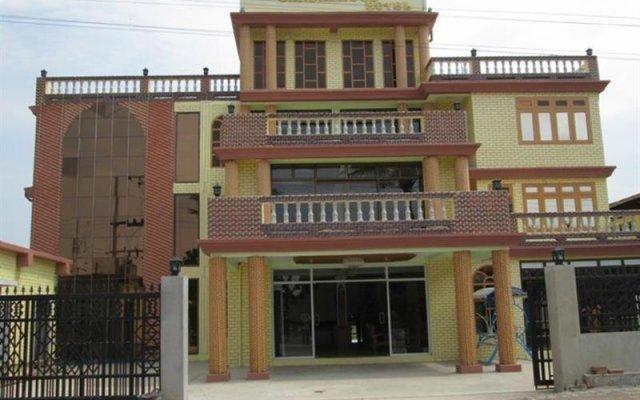Sandalwood Hotel вид на фасад