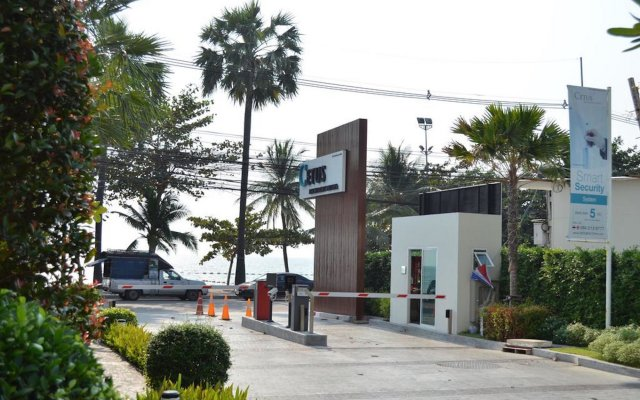 Отель Cetus Beachfront Condo By Pong Паттайя вид на фасад