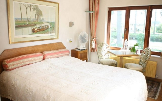 Le Coquin Bed & Breakfast 2