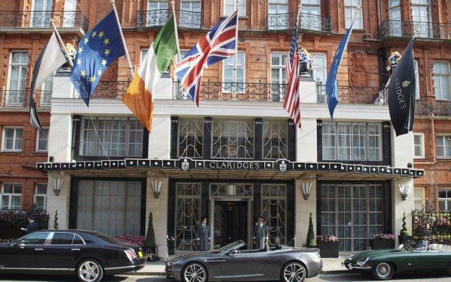 Отель Claridge's вид на фасад