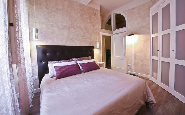 Апартаменты Apartments Florence - Giglio santa trinita комната для гостей